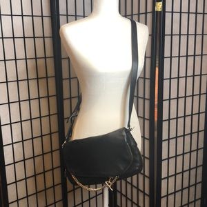 Henri Bendel cross body purse